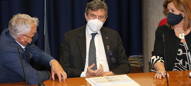 """Buono l'andamento epidemiologico in Abruzzo. Marsilio: """"Speriamo che questo trend continui per passare in zona bianca"""""""