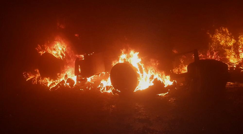 Violento incendio distrugge un capannone agricolo a Ortucchio