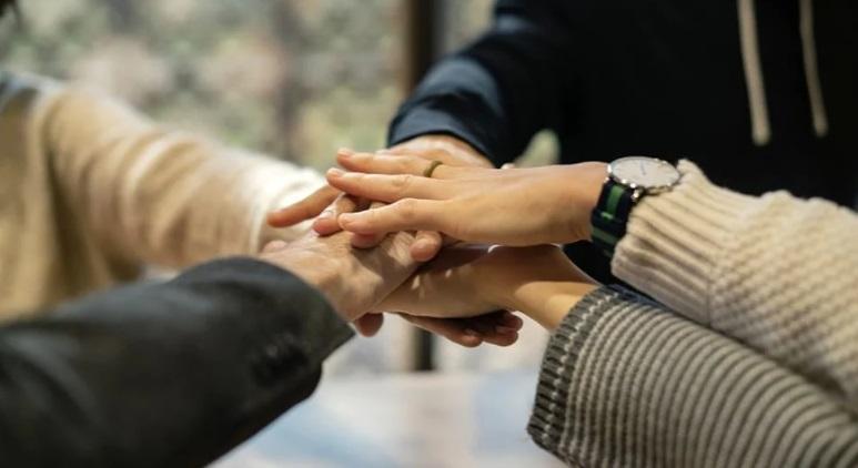 Progetti di utilità sociale, il comune apre agli enti del terzo settore. Fino a 1500 euro per attività di tutoraggio