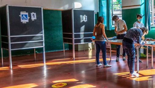 Seggi elettorali in sedi diverse dalle scuole: il Viminale mette in campo 2 milioni di euro per i Comuni