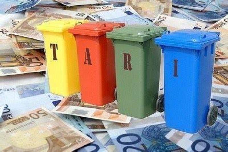 Il Comune di Collarmele approva il regolamento Tari e il PEF 2021, previste riduzioni per le attività produttive chiuse per Covid