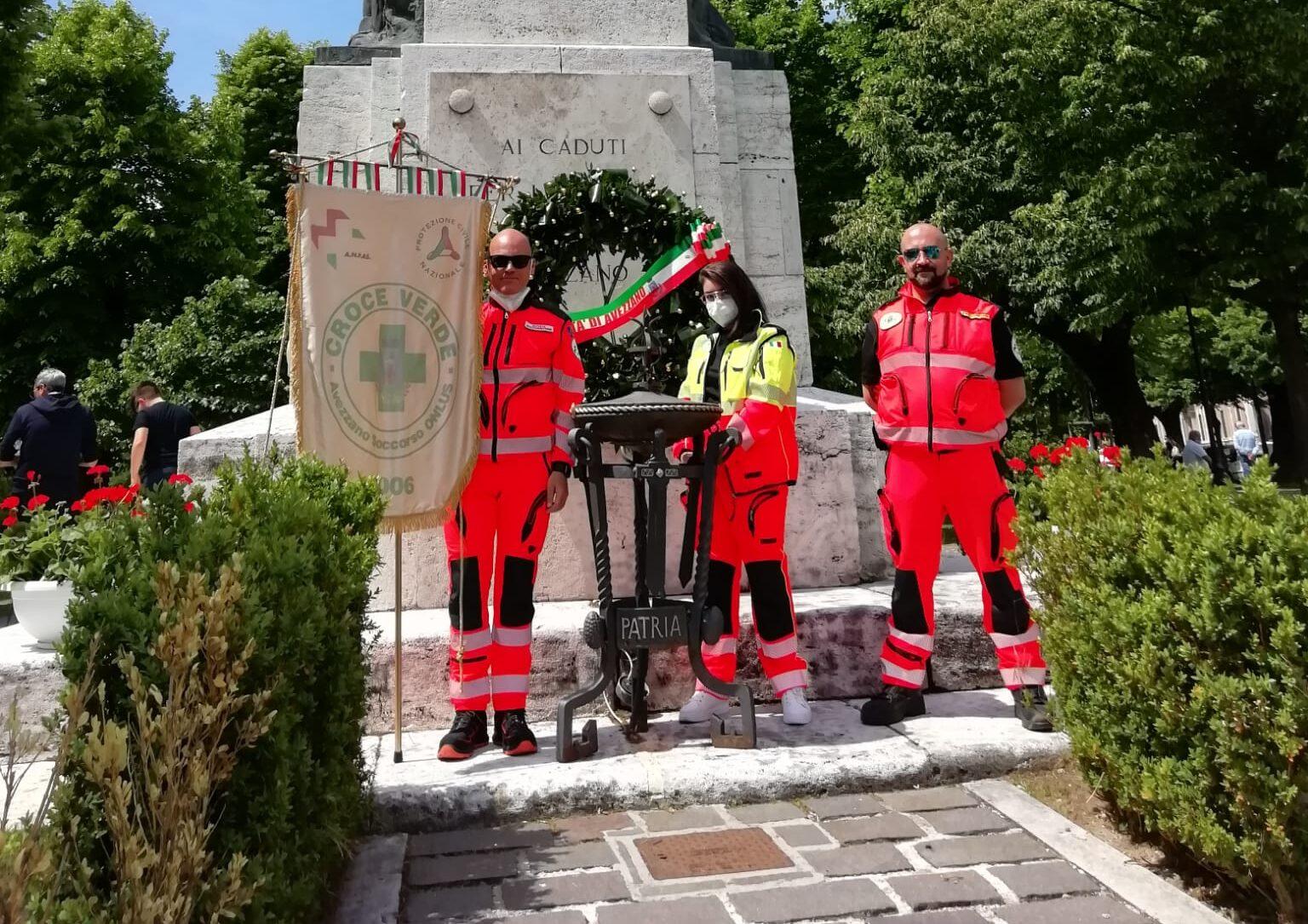 Festa della Repubblica, gli amici della Croce Verde di Avezzano hanno presidiato il monumento ai Caduti per la Patria