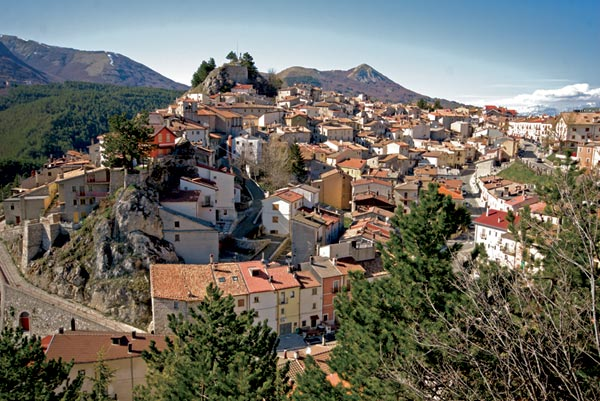 Ovindoli, parte una raccolta fondi per l'installazione di 8 webcam e stazione meteo per ammirare le bellezze del luogo