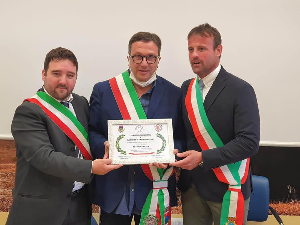 Sottoscritto il Patto di amicizia e fratellanza tra il Comune di Cerchio e il Comune di Vallepietra