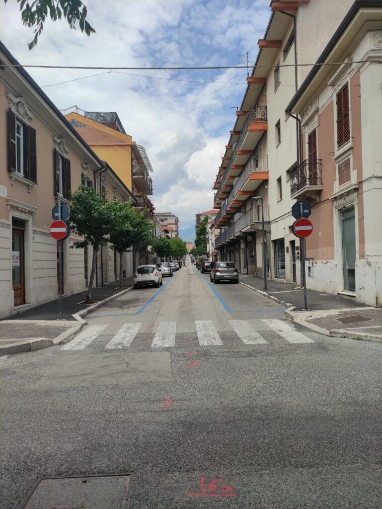 Cambia il senso di marcia su via Trento ad Avezzano