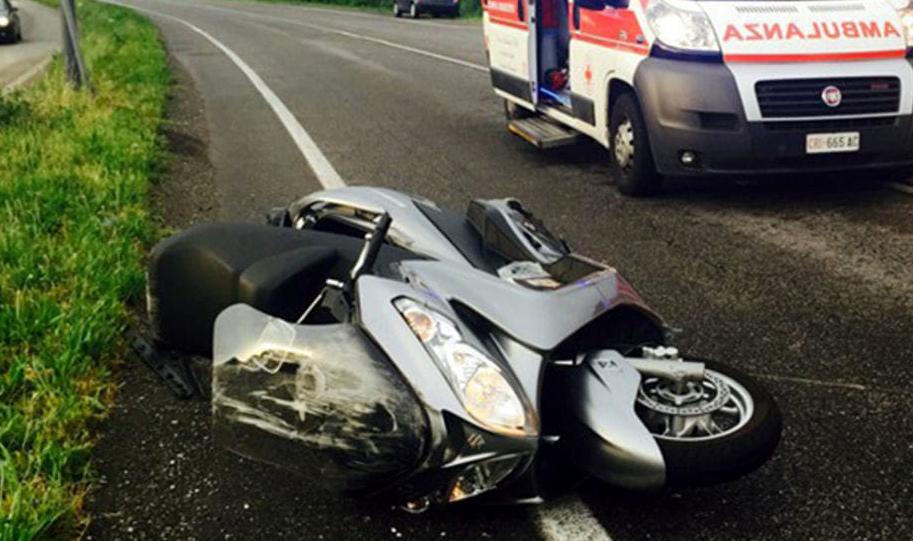 Incidente tra Paterno e Celano: si scontrano auto e moto