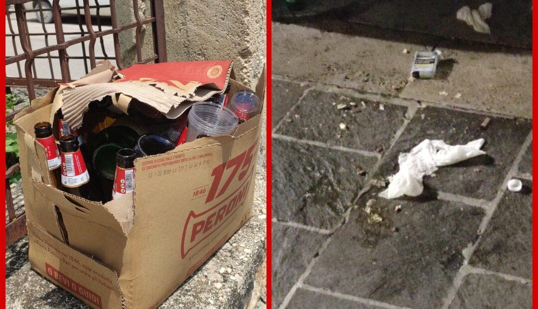 Movida alcolica in azione nel week-end: bottiglie rotte, vomito e immondizia ad Avezzano centro