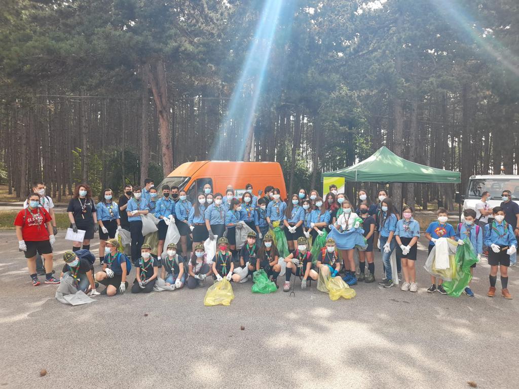 """Volontari e scout ripuliscono la pineta di Avezzano, Di Carlo (Tekneko): """"tanta partecipazione per l'iniziativa"""""""