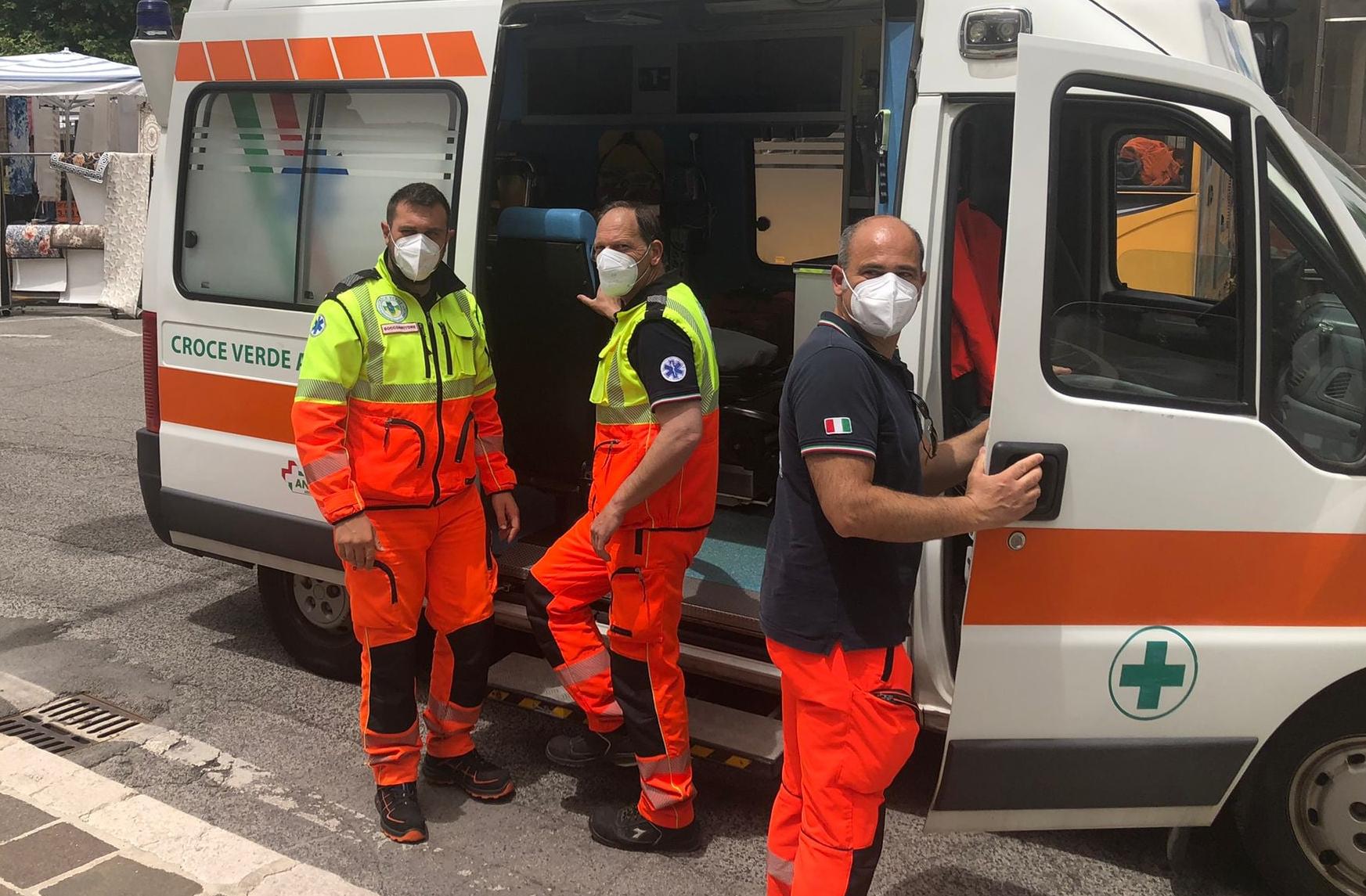 Donna incinta accusa un malore al mercato di Avezzano, soccorsa dalla Croce Verde