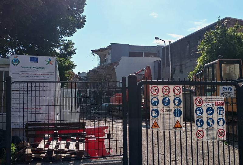 Quasi conclusi i lavori di demolizione dell'edificio ex Standa