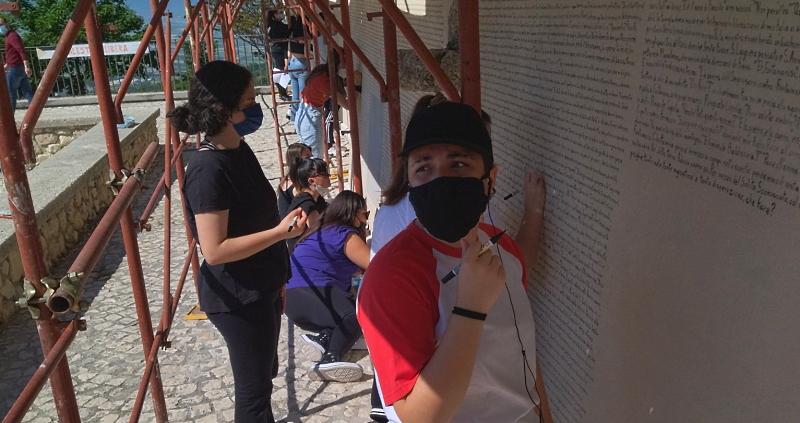 Iniziato il restauro del murales Fontamara di Aielli