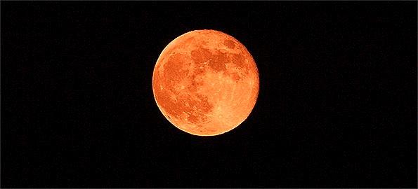 Luna piena della fragola, la superluna da ammirare la notte del 24 giugno