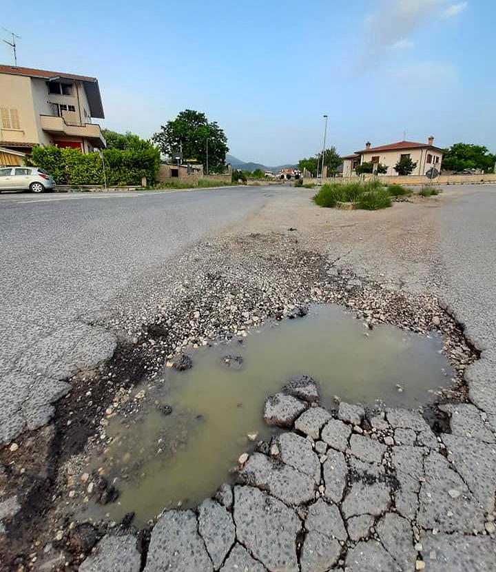 Il Sindaco D'Orazio denuncia il pessimo stato della S.P. 20 Marruviana e chiede l'intervento della Provincia