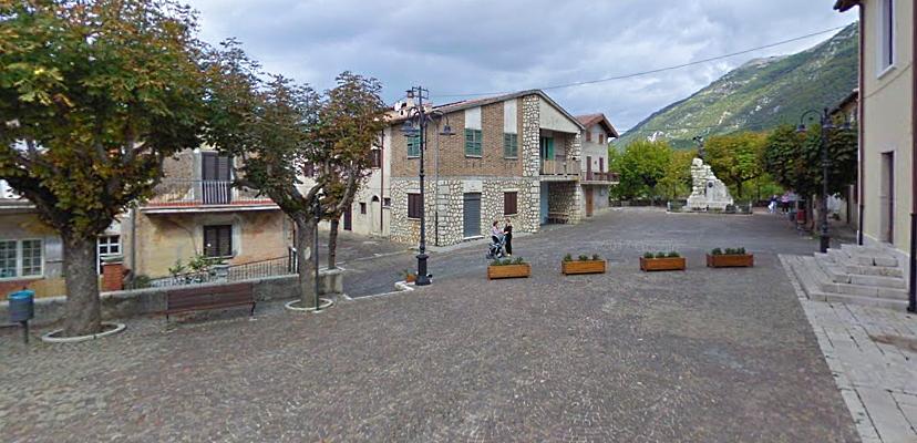Rifacimento della pavimentazione di Piazza del Banco a Civita d'Antino