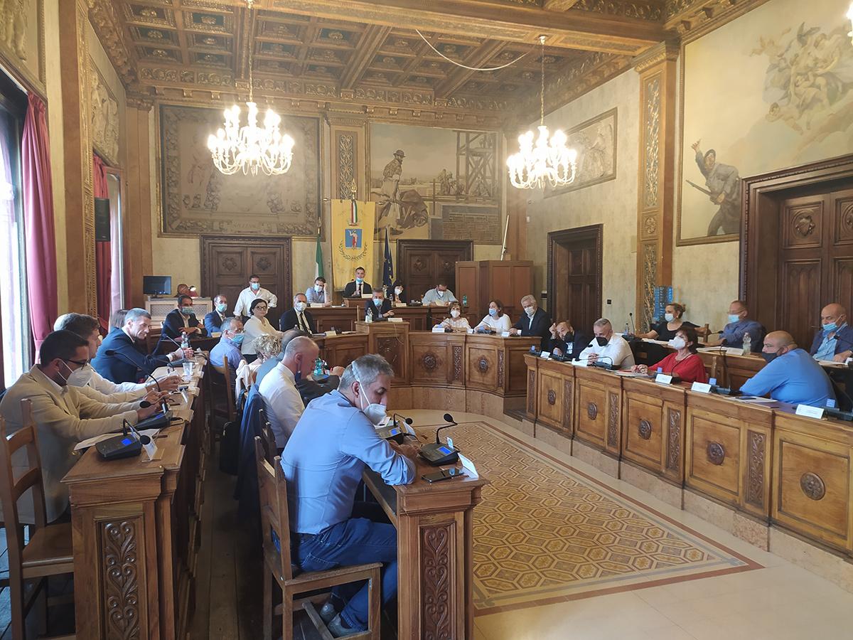 Comune di Avezzano, ok unanime del consiglio alla riduzione della Tari