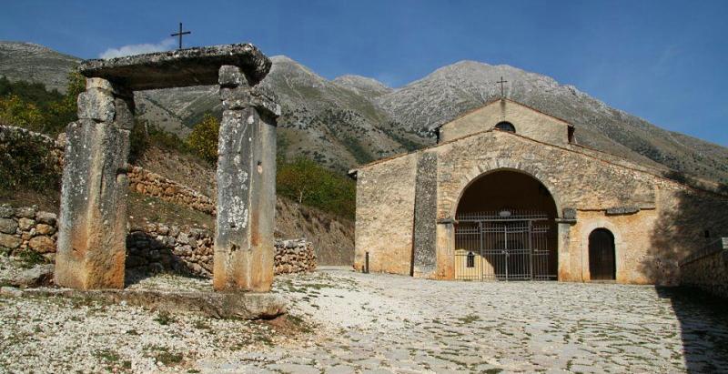 Chiesa di S. Pietro di Alba Fucens non disponibile: i primi sei concerti di Festiv'Alba si terranno a Santa Maria in Valle Porclaneta
