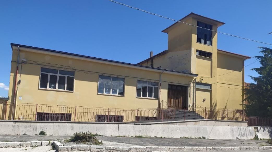 """Ex scuola di via Garibaldi in vendita: base d'asta 500mila euro. Iucci: """"chi compra l'immobile può accedere al sisma bonus"""""""