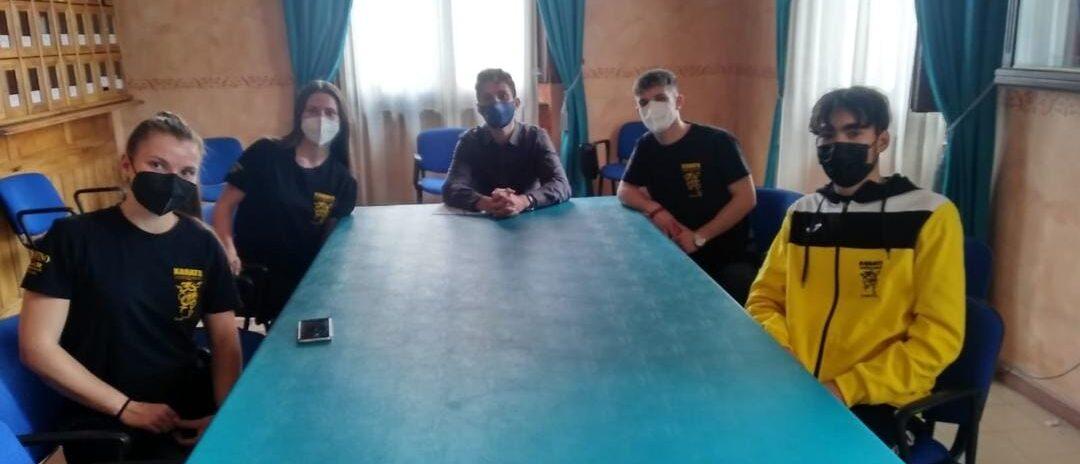 Porte aperte ai giovani campioni di karate nella sede comunale di Avezzano