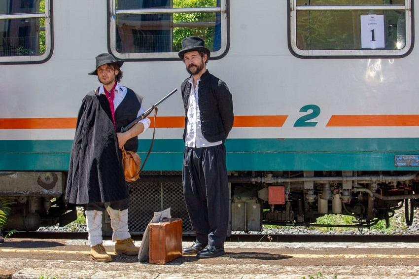 """""""StraorBinario"""", viaggio in treno nella Valle Roveto con musica e poesia"""