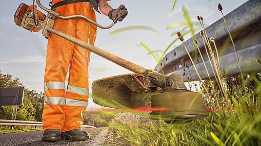 Al via il taglio delle erbacce e il decespugliamento dei rovi lungo le strade di Celano