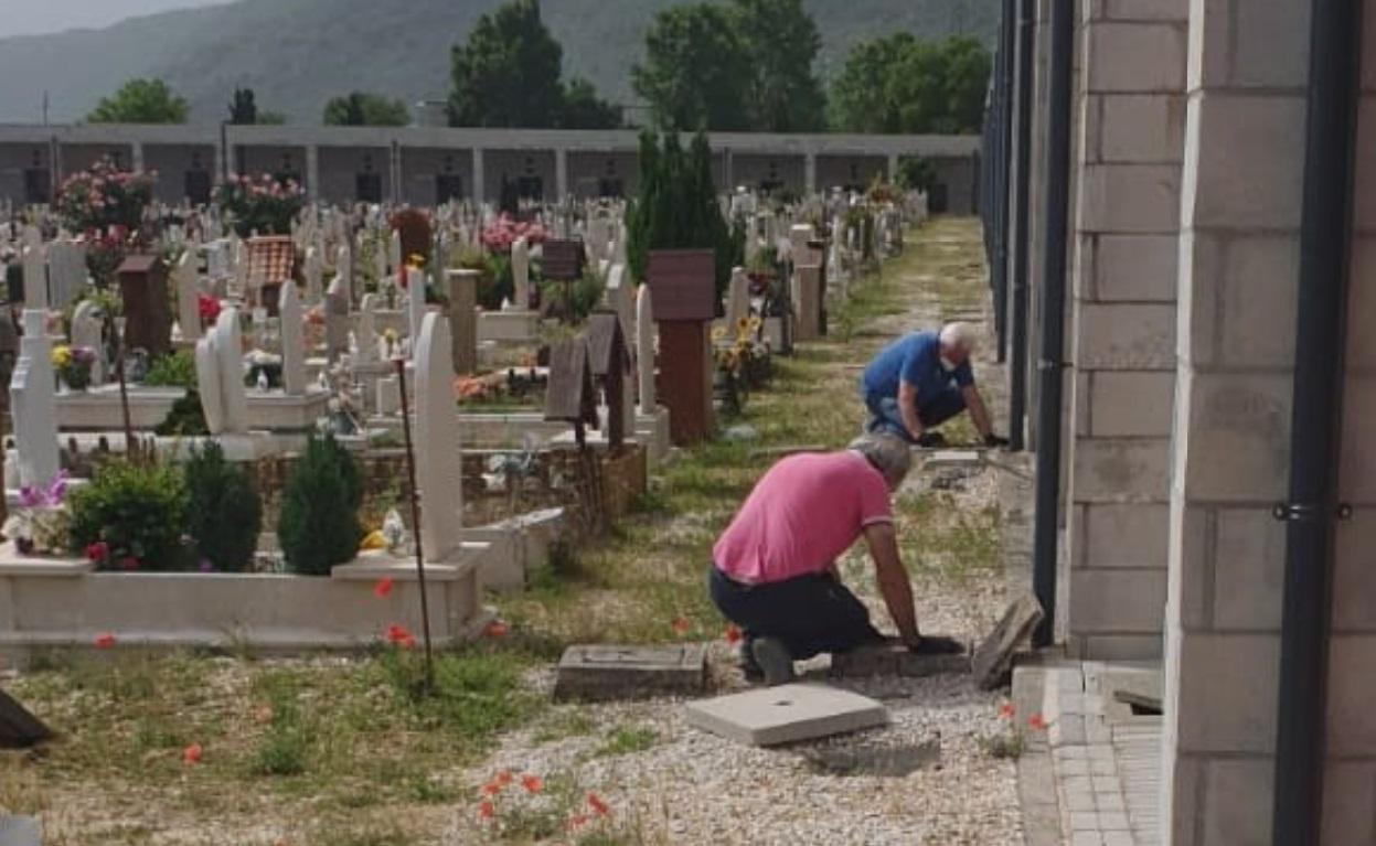 """Al cimitero di Avezzano arrivano le telecamere """"anti-furti"""" sulle tombe"""