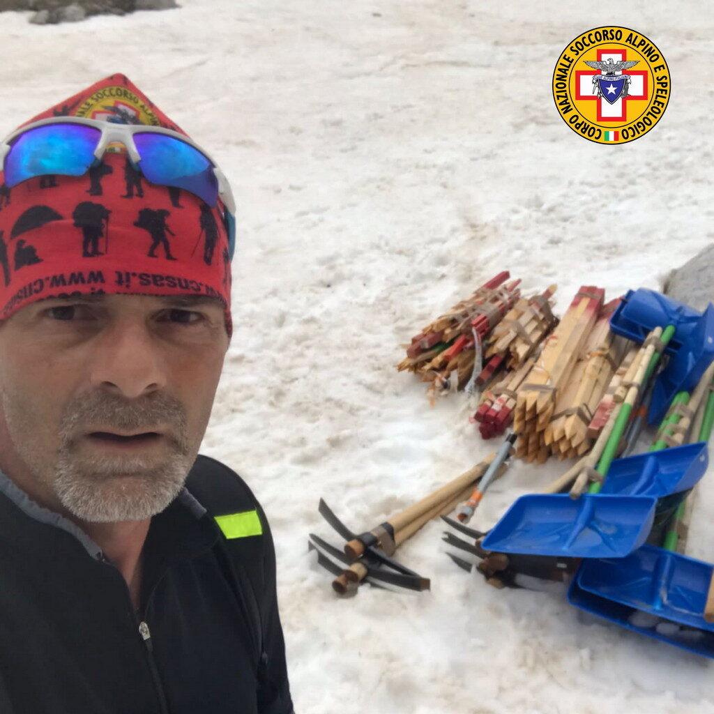 Tragedia del Velino, il soccorso Alpino e Speleologico d'Abruzzo restituisce alcuni oggetti personali di Valeria, Gianmarco, Gian Mauro e Tonino alle famiglie
