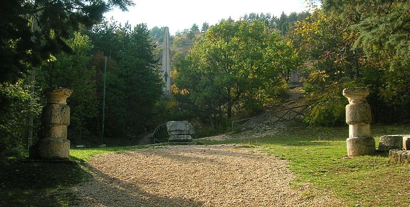Pulizia del percorso pedonale e nuova staccionata per la via Crucis sul Monte Salviano