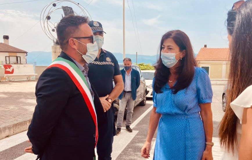 Ad Aielli è arrivata l'Ambasciatrice dello Stato di Palestina Abeer Odeh