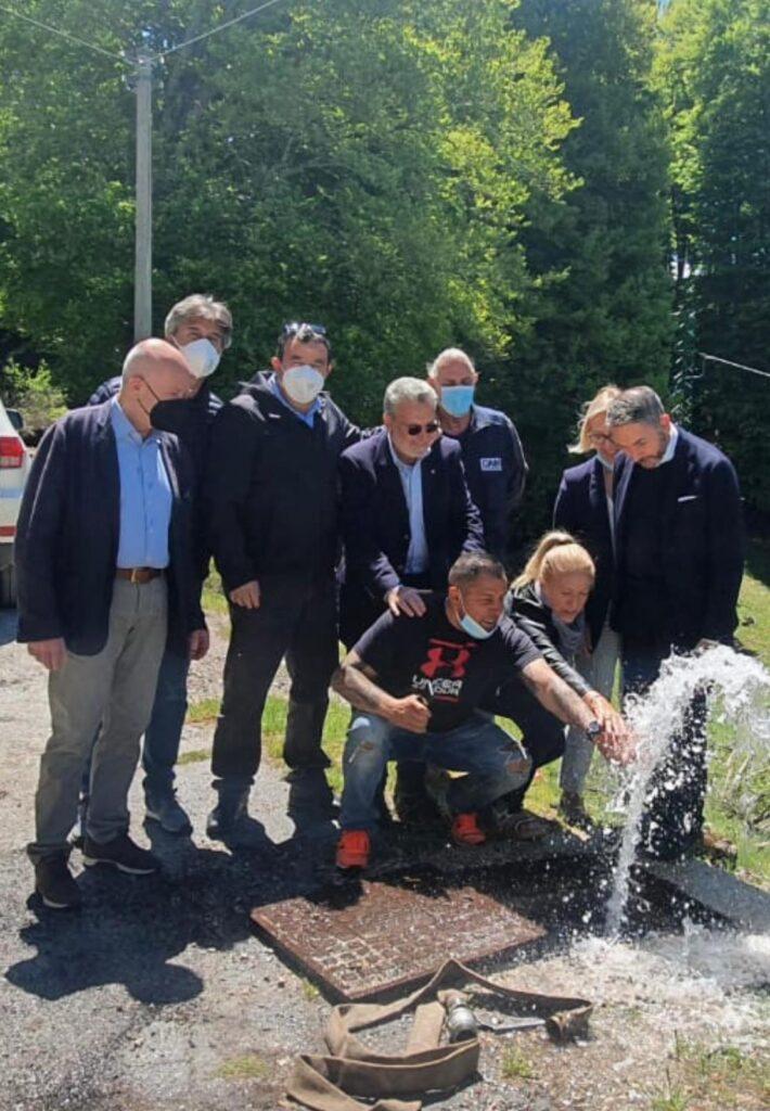 """Acqua potabile e primi allacci alle abitazioni: """"La Cortina D'Abruzzo"""" torna a vivere grazie all'Amministrazione Giovagnorio e al Consorzio Stradale"""