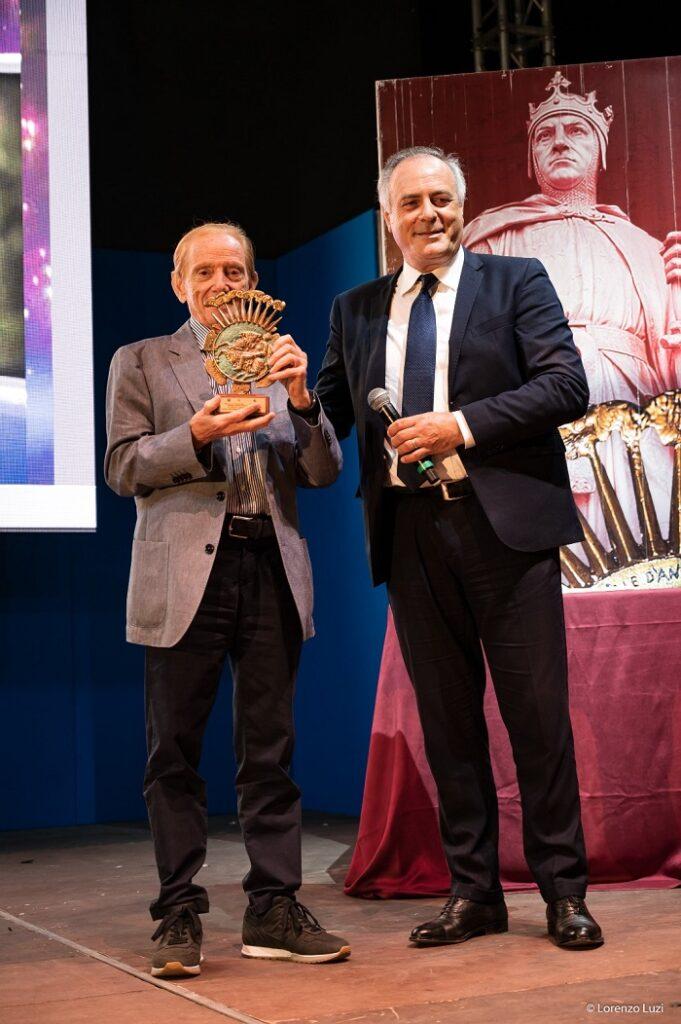 Conclusione della XV edizione del Premio Internazionale D'Angiò, nel corso della serata l'abbraccio rivolto ai familiari delle vittime del Velino