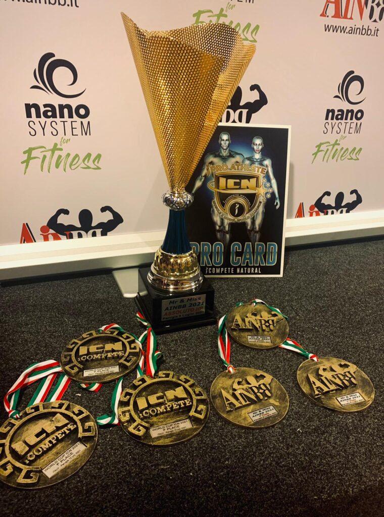 Il team ENTS dei preparatori avezzanesi Ivan Fedele e Germano Di Cesare fa incetta di medaglie alla competizione Mrs & Miss (campionato italiano) AINBB 2021 e al campionato mondiale ICN 2021