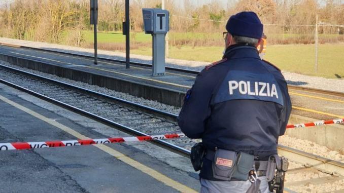 Tragedia sulla Roma-Avezzano: ragazza di 14 anni muore investita da un treno, indagano gli inquirenti
