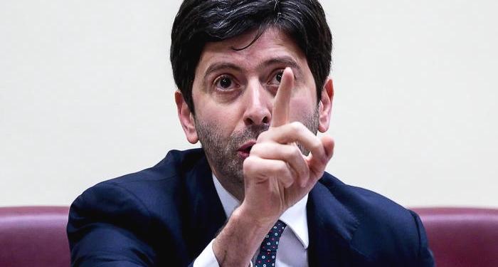 Ingresso in Italia e rischio Covid, il Ministro Speranza proroga misure restrittive e quarantena