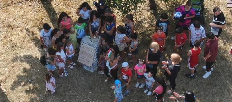 Inaugurato il nuovo parco giochi di Pero dei Santi con una targa in memoria dell'imprenditrice Rita Farina