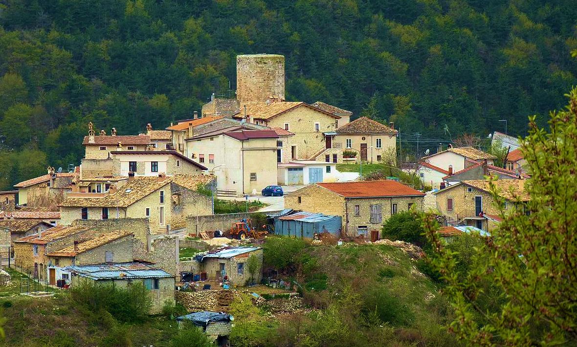 """Santa Iona ospita la prima edizione del """"Mercatino della Torre"""""""