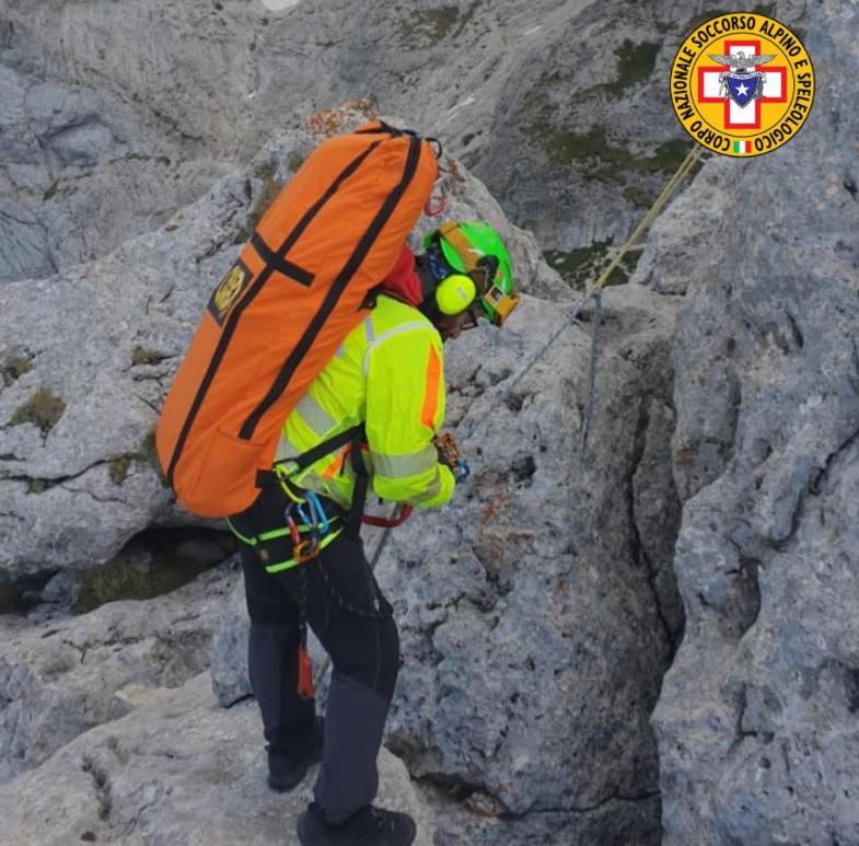 Alpinista finisce contro la parate rocciosa sul Gran Sasso