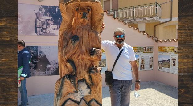Totem d'Abruzzo, la nuova scultura di Giancarlo Sociali inaugurata a Cerchio