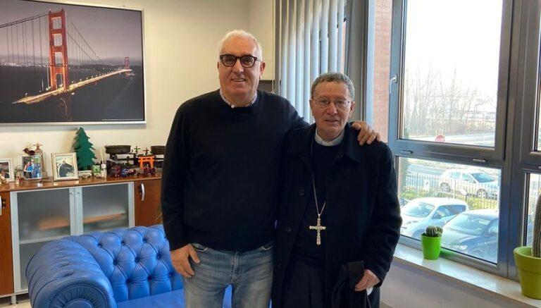 Il saluto di Tekneko al vescovo Santoro: un grande uomo che ha dato tanto per la Marsica