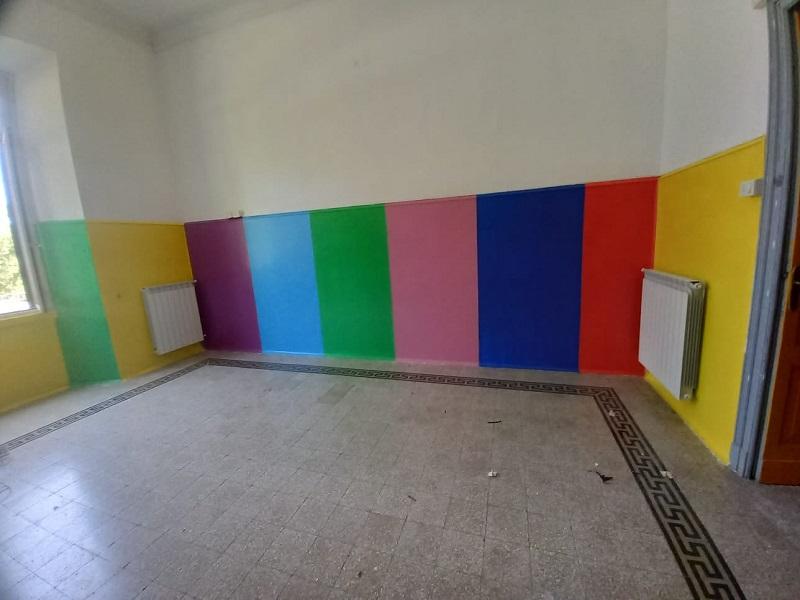 La Scuola Paritaria dell'Infanzia Asilo Pio XI di Villa San Sebastiano prende spunto dai murales di Aielli per colorare un'aula. Il Sindaco Di Natale ringrazia