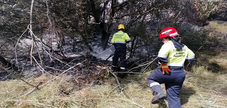 Incendio a Sante Marie, operazioni di spegnimento durate tre ore