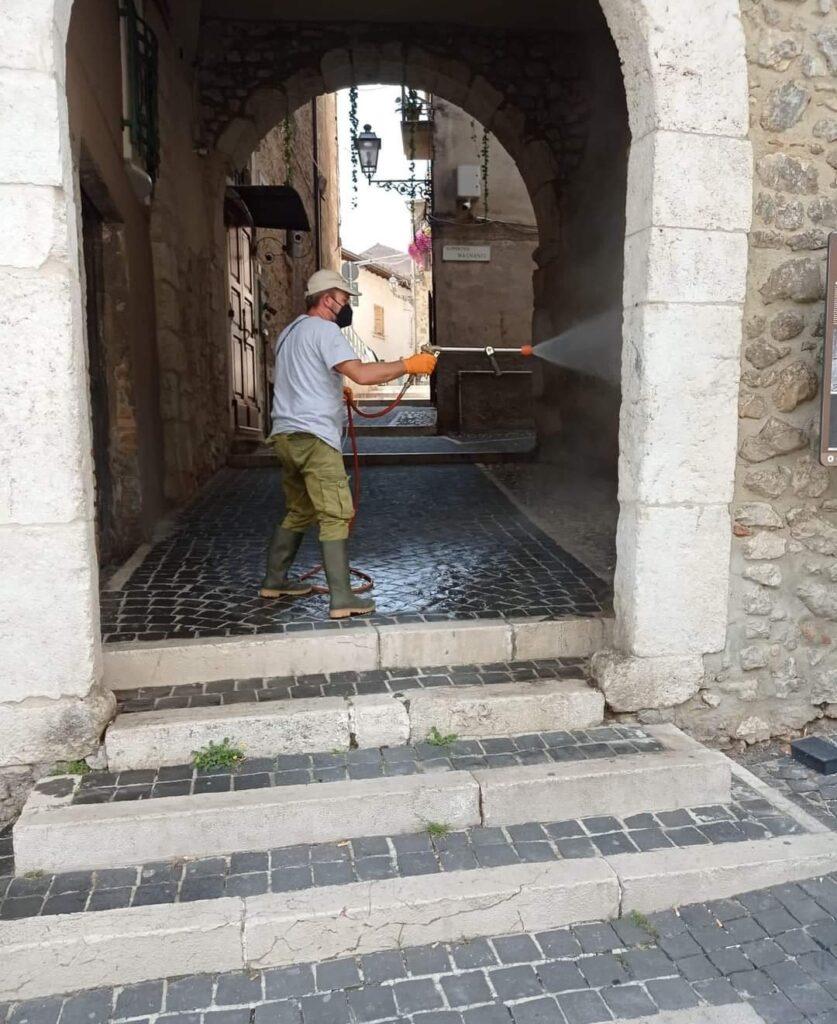 Servizio straordinario di igienizzazione e decoro cittadino a Celano per i Santi Martiri