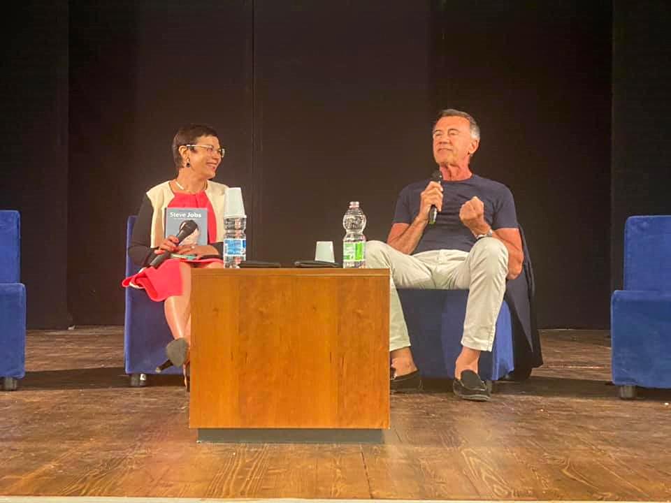 Michele Cucuzza a Tagliacozzo per presentare il suo libro su Steve Jobs