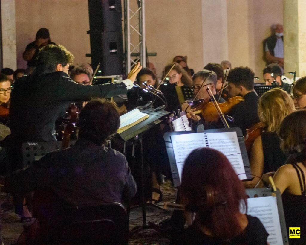 Un altro successo per il 37' Festival di Mezza Estate, che si farà ricordare anche per questa esibizione (Video e foto)