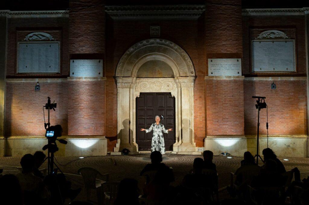 Chiude il Festival Borgo Universo 2021 ad Aielli: nuovi murales, performance, rigenerazione urbana e tanta allegria