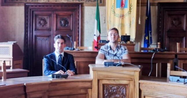 """Simonelli incontra Scipioni, autore della """"super pedalata"""" di 40 ore. Il consigliere: """"vogliamo trasmettere il segno della positività"""""""