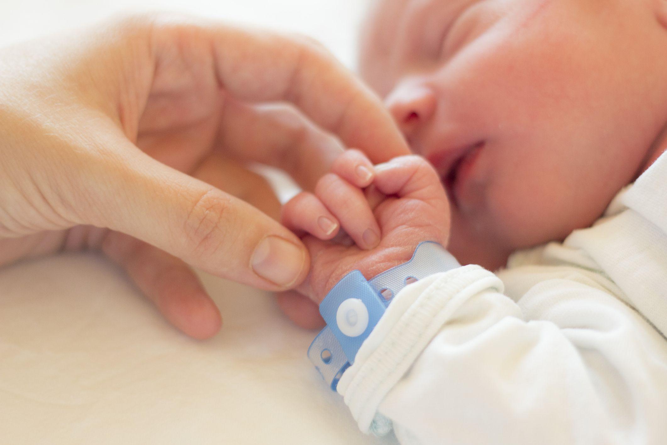 """Al via le domande per il bonus bebè. Di Berardino: """"azioni a sostegno di natalità e nuclei disagiati"""""""