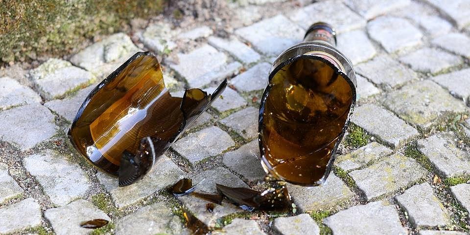 Il Comune di Celano vieta la vendita di bevande in vetro e lattina nei giorni della Festa dei Santi Martiri