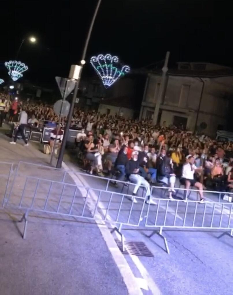 Successo per il concerto di GUE PEQUENO a Capistrello