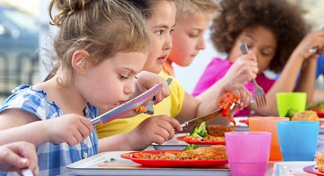 Refezione scuole elementari e medie di Avezzano, riaperti i termini per la presentazione delle domande