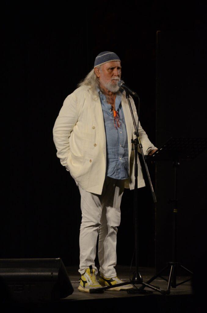 Assegnato a Moni Ovadia, il premio internazionale Silone, giunto alla XXIV^ edizione. Nel suo intervento in conferenza stampa il commosso ricordo dell'amico Gino Strada
